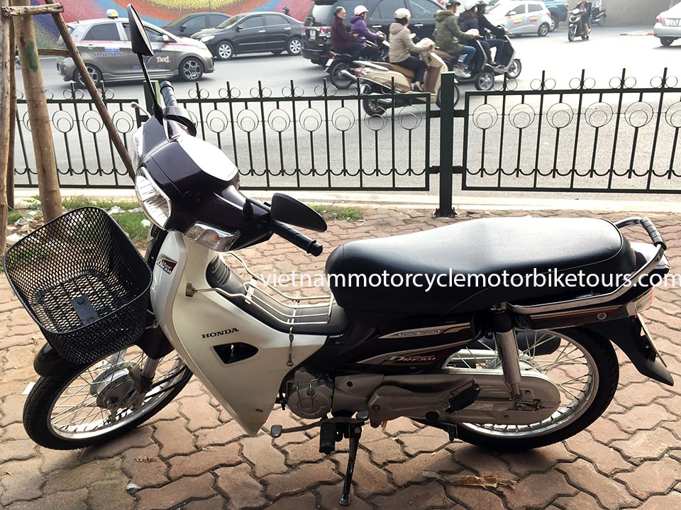 Vietnam Motorcycle Motorbike Tours - scooters for rent in Hanoi. Honda Super Dream/Cub semi-automatic 110cc