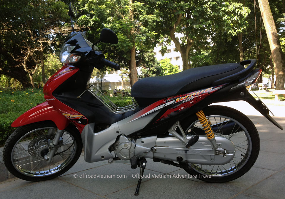 Vietnam Motorcycle Motorbike Tours - Hanoi Bike Rental: Honda step-through moped 2011 WaveS 110cc