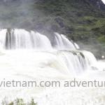 Motorbiking to Ban Gioc waterfalls in Northeast Vietnam with Vietnam Motorcycle Motorbike Tours
